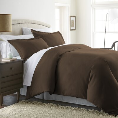 Moran Duvet Set Color: Chocolate, Size: Queen