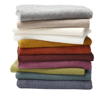 Air Weight Bath Towel Color: White