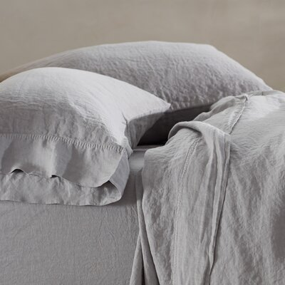 Relaxed Linen Pillowcase Size: King