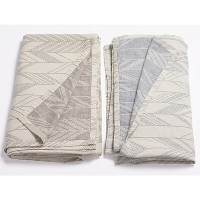 Arrowhead Reversible Blanket Color: Ocean, Size: Full/Queen