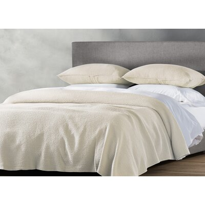 Cascade Coverlet Size: King