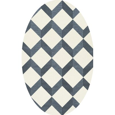 Bella Blue/White Area Rug Rug Size: Oval 4' x 6'