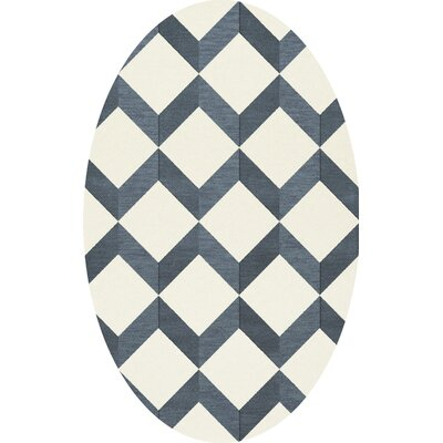 Bella Blue/White Area Rug Rug Size: Oval 6' x 9'