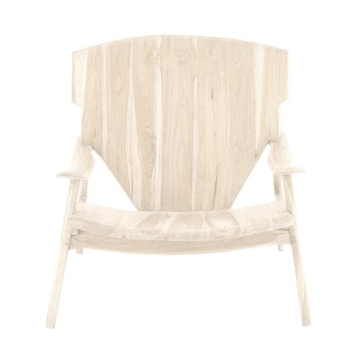 Armchair Finish: Natural