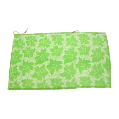 Embrace Casmus Beach Towel Color: Green