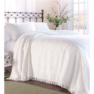 Wedding Ring Tufted Chenille Bedspread Color: White, Size: Full