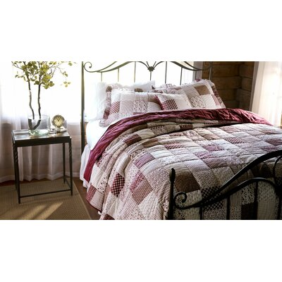 Rebecca Quilt Set Size: King