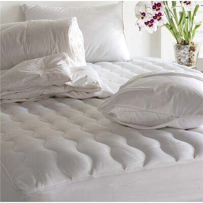 DreamBest Hypoallergenic Luxury Polyester Mattress Pad Bed Size: Full