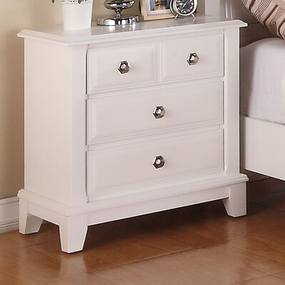 Holzman 3 Drawer Bachelors Chest Color: White