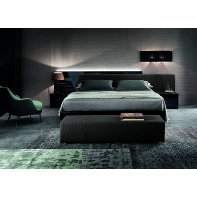 Nightfly Platform Bed Size: King, Color: Ebony