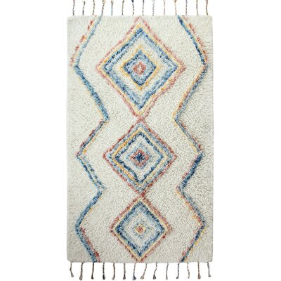 Mayer Hand-Woven Beige/Blue/Red Area Rug Rug Size: 5 x 8
