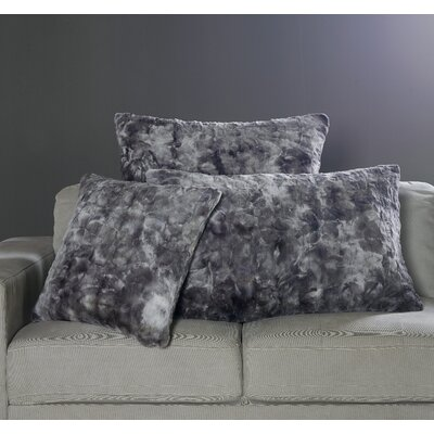 Nesting Faux Fur Pillow Case Size: 20