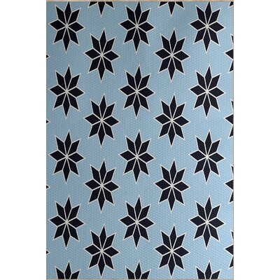 Christmass Geometric Print Blue Indoor/Outdoor Area Rug Rug Size: 5 x 7