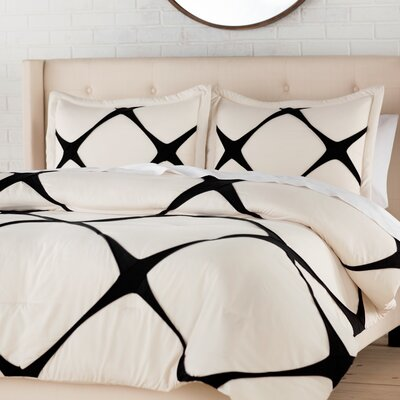 Parry Comforter Set Color: Cream, Size: Twin