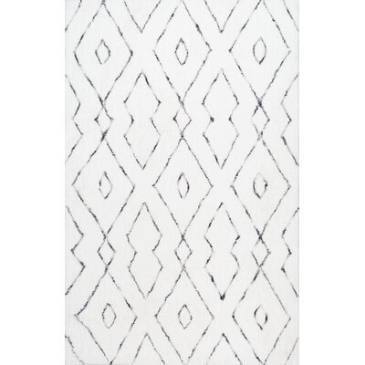 Peraza Hand-Tufted White Area Rug Rug Size: 5 x 8