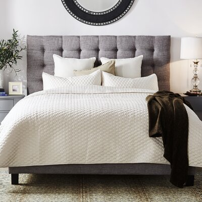 Cacho Upholstered Platform Bed Upholstery Color: Gray, Size: King