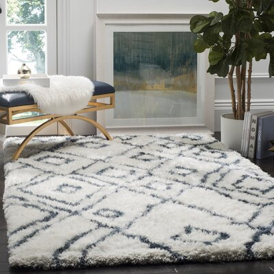 Briganti Hand-Tufted Ivory/Blue Area Rug Rug Size: Rectangle 4 x 6