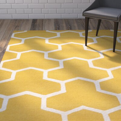 Darla Gold/Ivory Area Rug Rug Size: Rectangle 8 x 10
