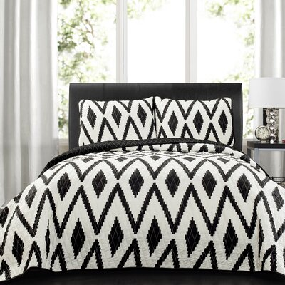 Meggan 3 Piece Quilt Set Size: King