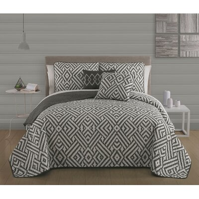 Aquilae 5-piece Reversible Quilt Set Size: Queen, Color: Charcoal