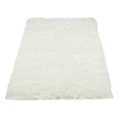 Darnell Faux Fur White Area Rug Rug Size: 33 x 47