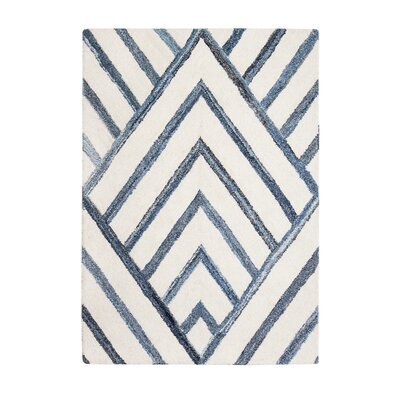 Carty Hand-Tufted Blue/Ivory Area Rug Rug Size: 8 x 10