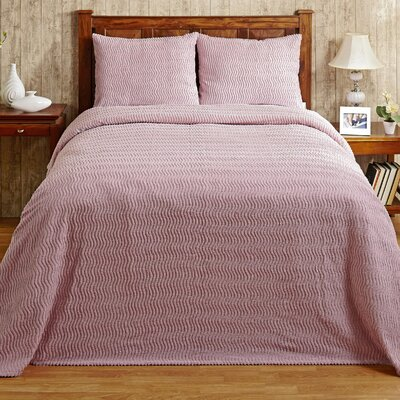 Natick Bedspread Size: Queen, Color: Pink