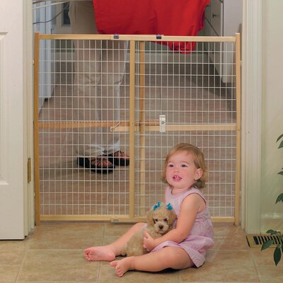 GuardMaster II Wire Mesh Pet Gate Size: Tall (32 H x 41 W x 2 D)