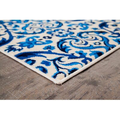 Moon Lake Floral Blue/Cream Area Rug Rug Size: 5' x 7'