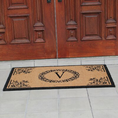 Hedvige Anti Shred Treated Non-Skid Monogrammed Entry Doormat Letter : V