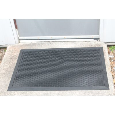 100% Rubber Clean Step Scraper Doormat Mat Size: Rectangle 24 x 36
