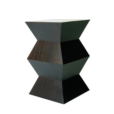 Pura Dining Table