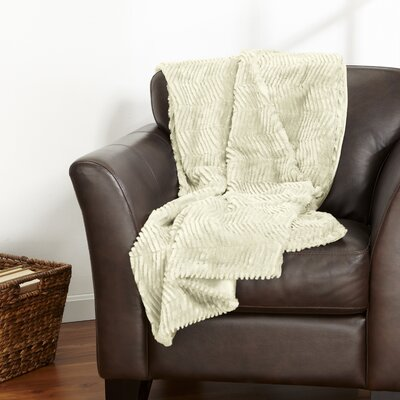 Bahara Plush Sculpted Velvet Throw Color: Ivory