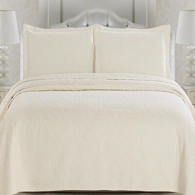 Emerson Quilt Set Size: King, Color: Pristine Ivory