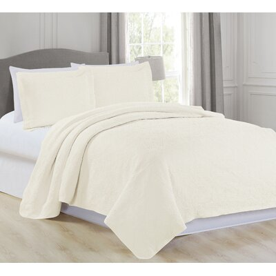 Vanessa Quilt Set Size: King, Color: Ivory