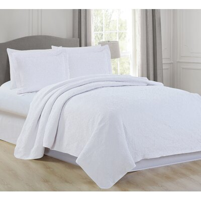 Vanessa Quilt Set Color: White, Size: King