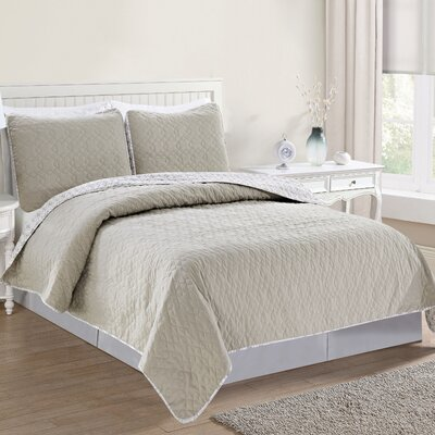 Bedford Reversible Quilt Set Size: King, Color: Beige