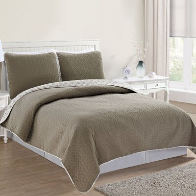 Avignon Reversible Quilt Set Size: King, Color: Flint Gray