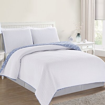 Avignon Reversible Quilt Set Size: Full/Queen, Color: Optic White