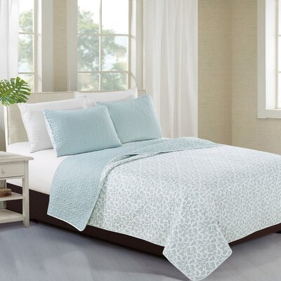 Kyla Reversible Quilt Set Color: Ether Blue, Size: King