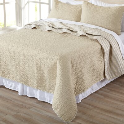 Jasmine Quilt Set Size: Twin, Color: Beige