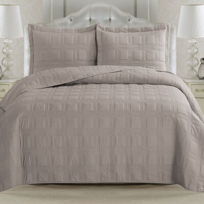 Big Coppitt Key Quilt Set Size: King, Color: Silver Cloud