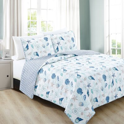 Bali Reversible Quilt Set Size: Full/Queen, Color: Coral