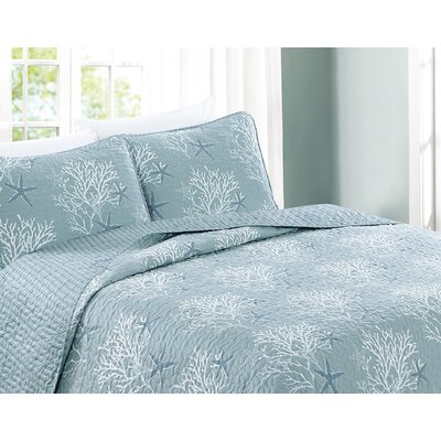 Fenwick 3-Piece Coastal Beach Theme Microfiber Quilt Set with Shams Size: King, Color: Pearl Blue
