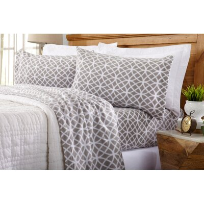 Hinckley Polar Fleece Geometric Printed Sheet Set Size: Queen, Color: Silver Cloud