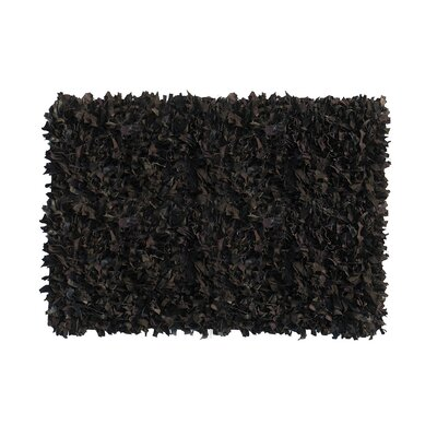 Shaggy Hand-Knotted Black Indoor/Outdoor Area Rug