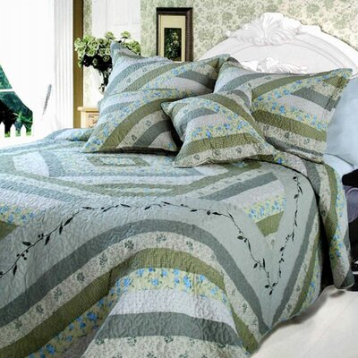 Evergreen Forest Quilt Set Size: King