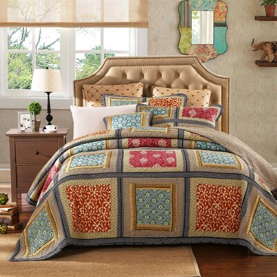 Gallery of Roses 3 Piece Reversible Quilt Set Size: Queen