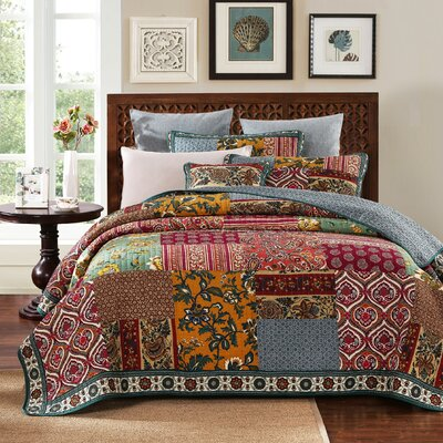100% Cotton Dark Elegance Quilt Set Size: Queen