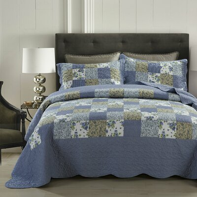 Blueberry Patch 3 Piece Reversible Quilt Set Size: Queen
